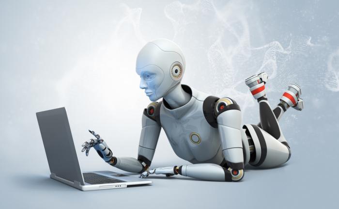 Робот заменил журналистов